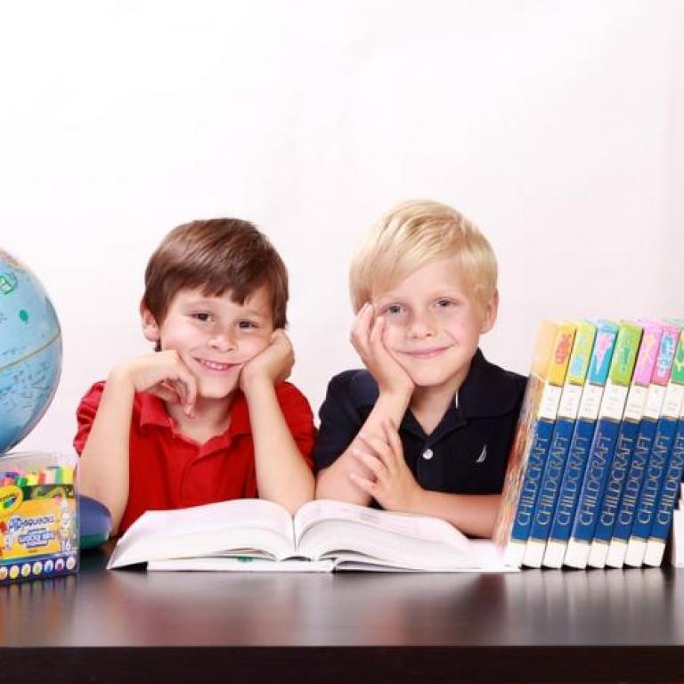 снимка за новина - Областен кръг на олимпиадата по математика