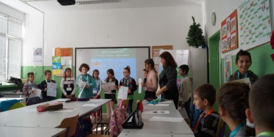 снимка за новина - В защита на правата на детето
