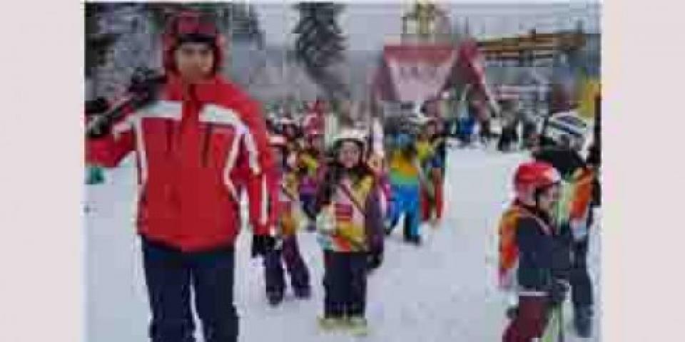снимка за новина - 2 СОУ на ски-училище